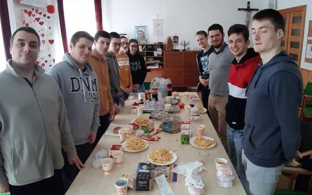 Jelentkezés a Don Bosco Ifjúsági Közösségbe